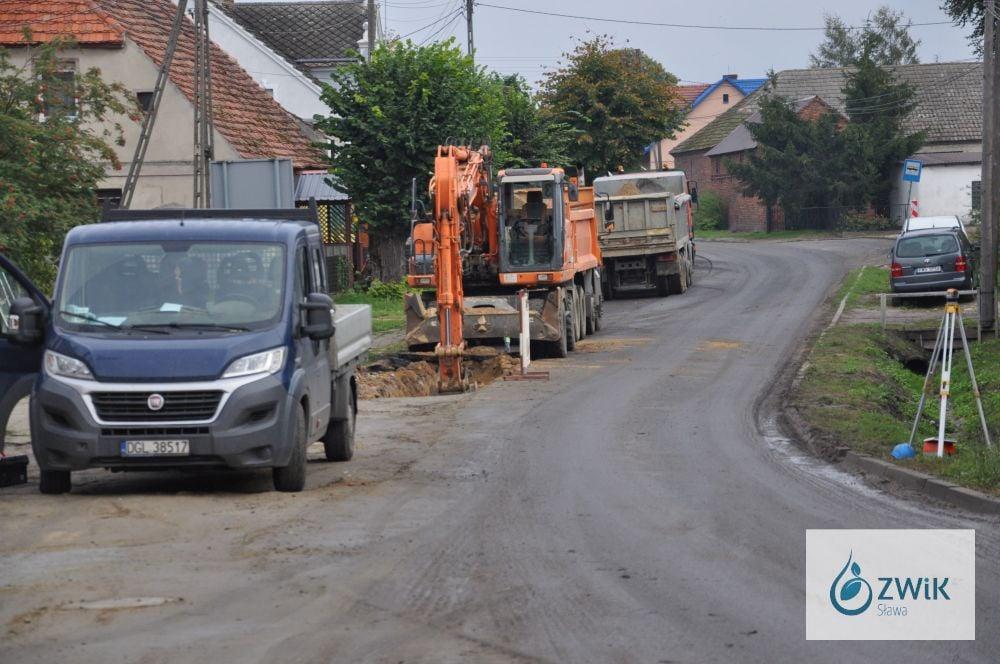 Budowa sieci wodno - kanalizacyjnej w Lipinkach.